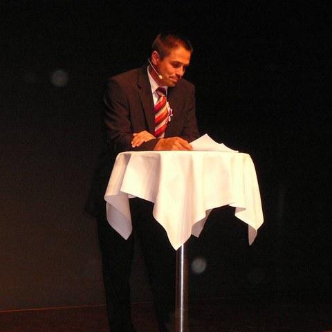 Thomas Busslinger (Präsident Ortsbürgerverband AG) führte durch das Abendprogramm. Vergrösserte Ansicht