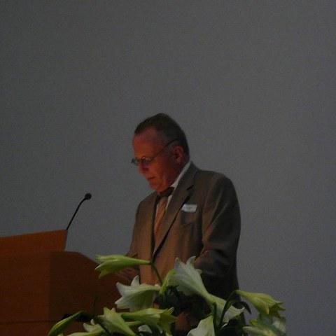 Revisor Dr. Walter Heuberger. Vergrösserte Ansicht