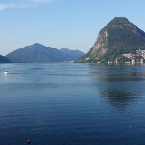 Sicht auf den Lago di Lugano. Vergrösserte Ansicht